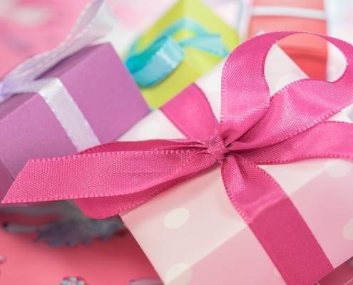 Suchen Sie ien passendes Geschenk für einen Herren? Wie wäre es mit einem Escort Date?