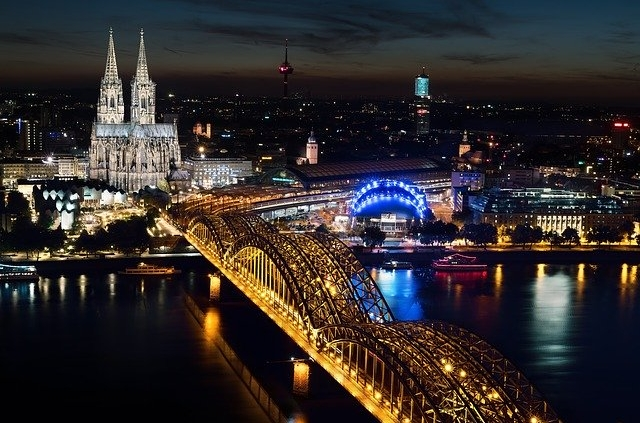 Freuen Sie sich auf tiefe Momente mit Escort Damen in Köln